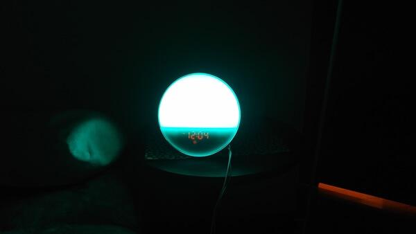 光の色を変えれる